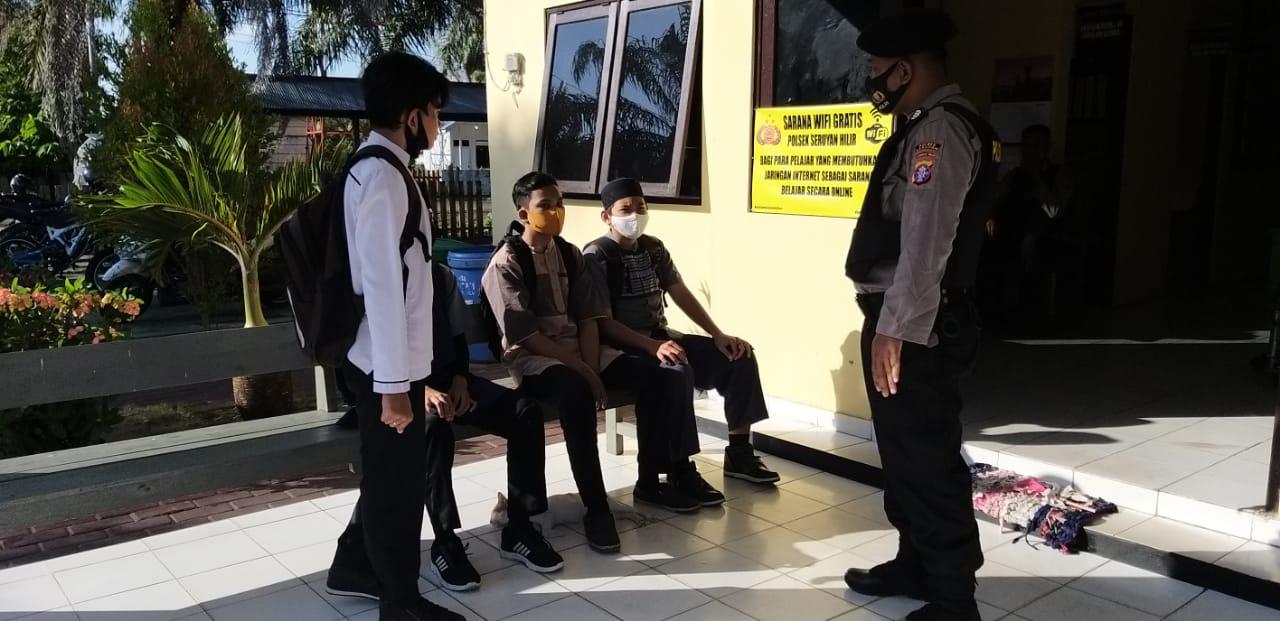 Polsek Seruyan Hilir Sedikan Wifi Gratis Untuk Belajar Bagi Pelajar