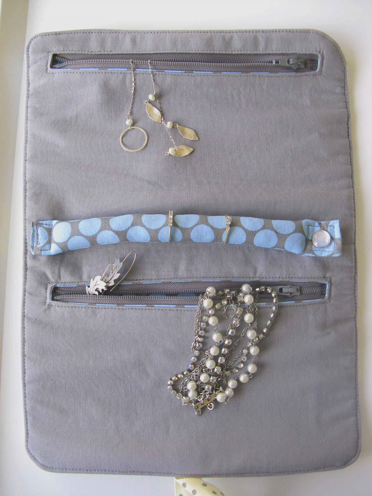 Travel Jewelry Roll Case Tutorial