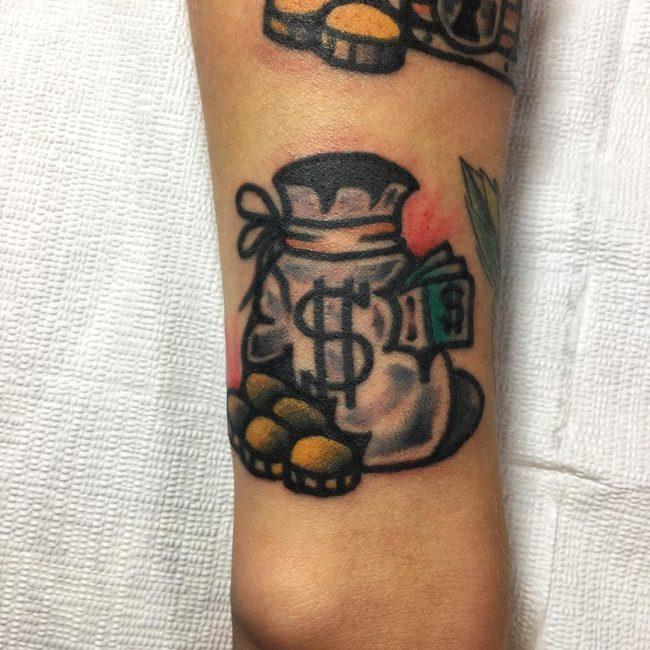 foto de tatuajes con dinero