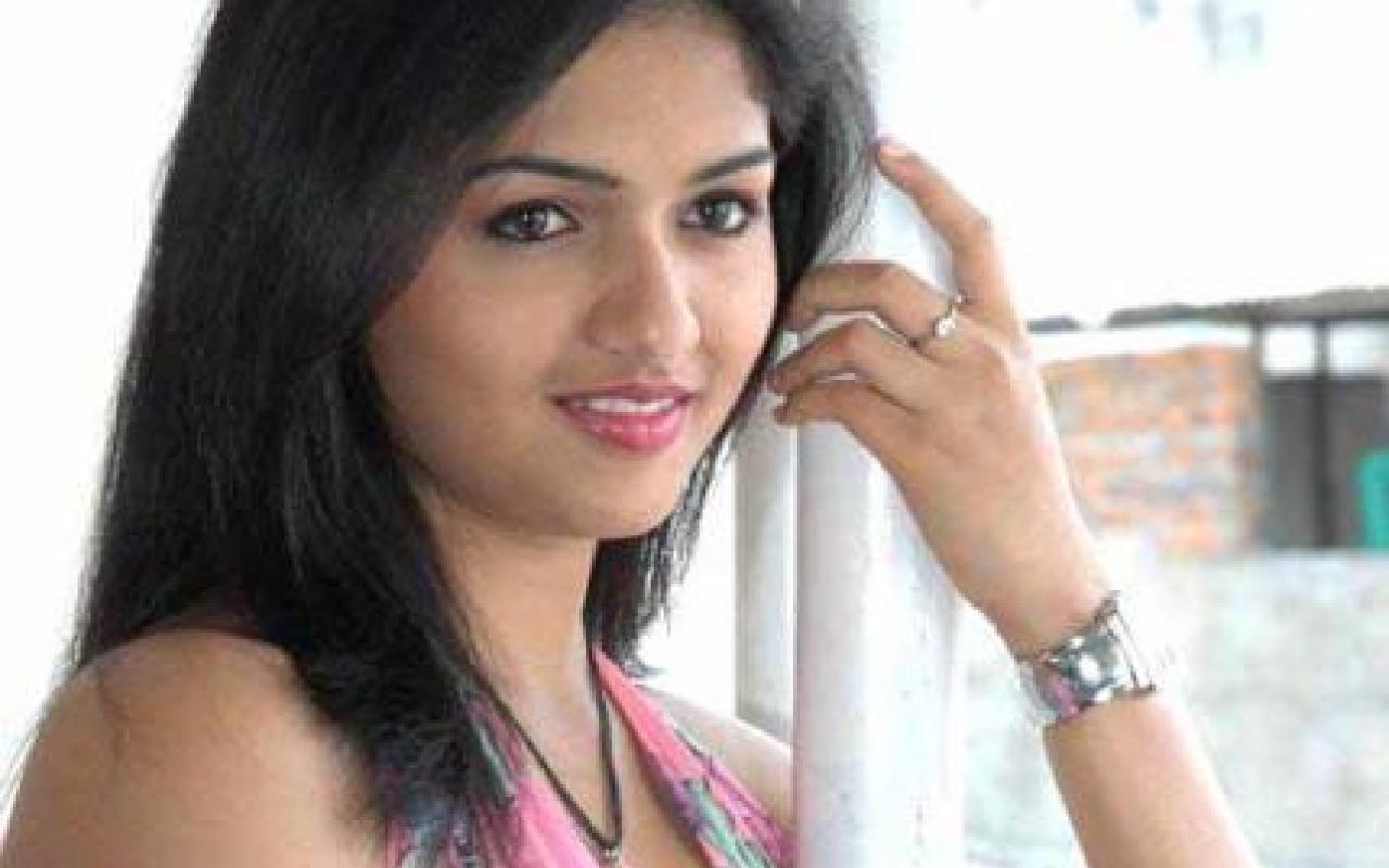 Tamil Actress Hotpicz Sunaina Pics – Dibujos Para Colorear