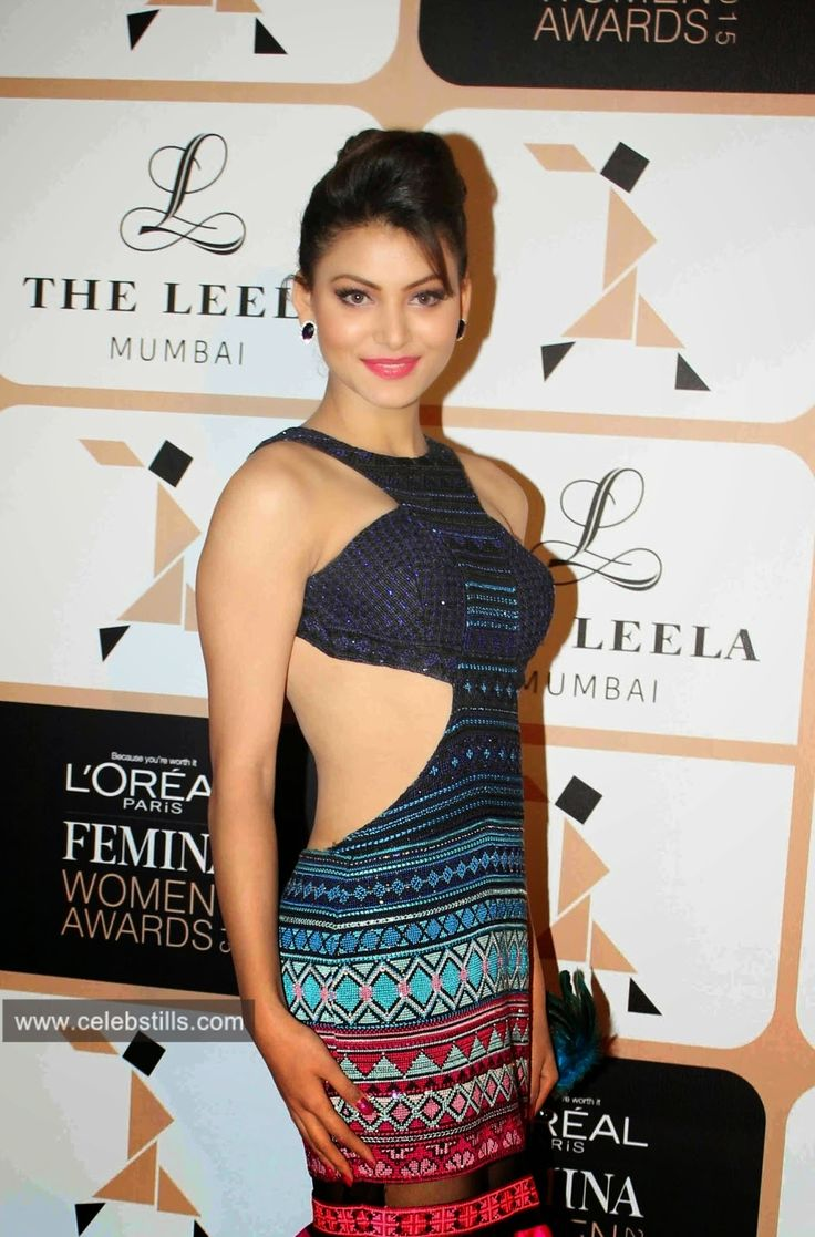 Urvashi Rautela hot boobs cleavage show images
