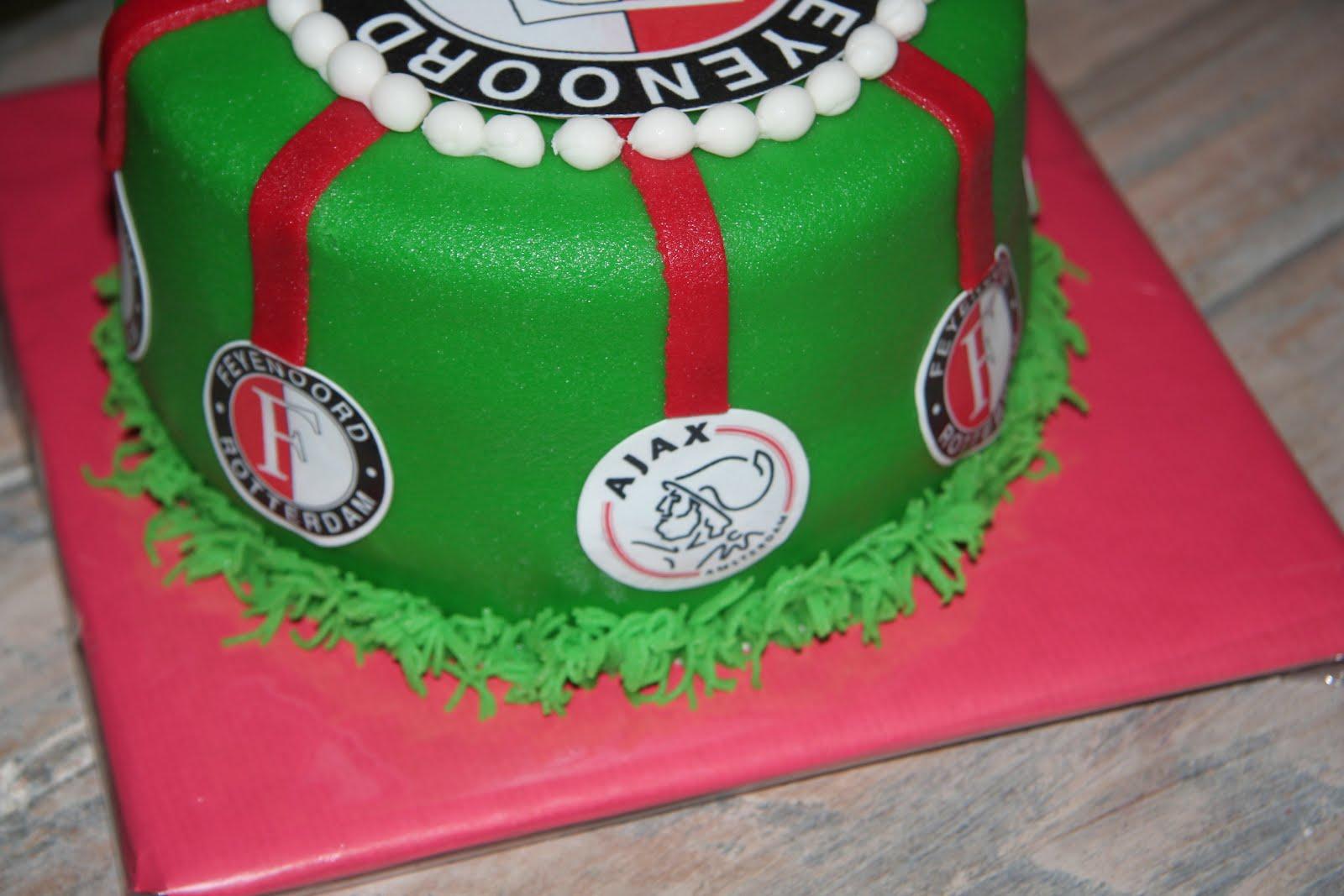 Extreem lekker zoet: Feyenoord(Ajax) taartje @SO06