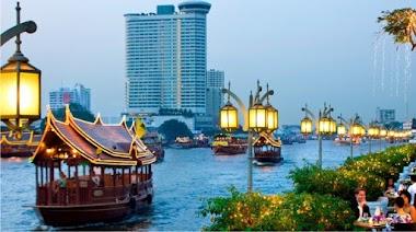 Valentine's Day Trip to Bangkok with Girlfriend