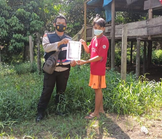 Cegah Karhutla, Bhabinkamtibmas Polsek Sungai Sampit Terus Berikan Imbauan