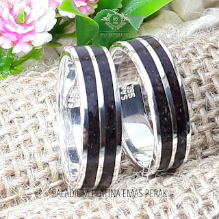 cincin custom platina menggunakan kayu