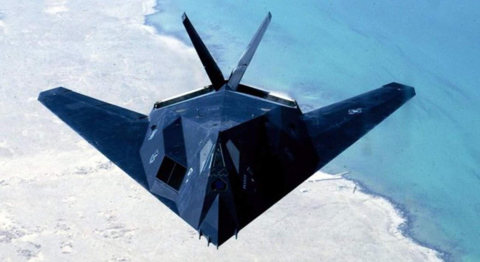 Suara penyadapan percakapan operator dan pilot F-117 diterbitkan