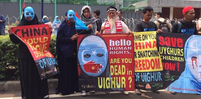 Tuntut Pembebasan Uighur, Ribuan Umat Islam Geruduk Kedubes China