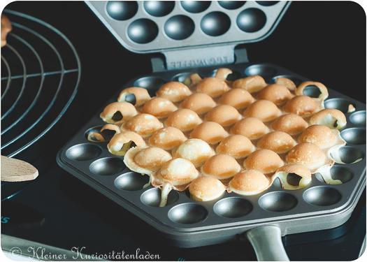 fertige Egg Waffle in der Pfanne