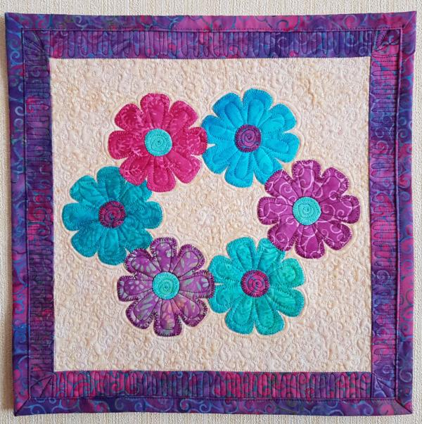Bloomers mini quilt | DevotedQuilter.com