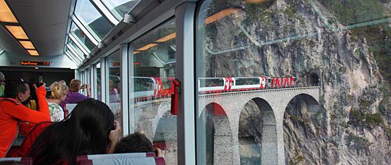 Expresso Bernini nos Alpes Suiços