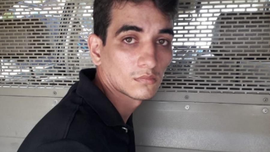 Motorista de aplicativo mata irmão a tiros por causa de uma escada na Bahia