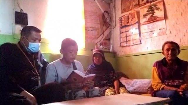 Akbar Pemulung Soleh Dapat Kabar Gembira, Diajak Umrah Syekh Ali Jaber, Besok Bertemu di Bandung
