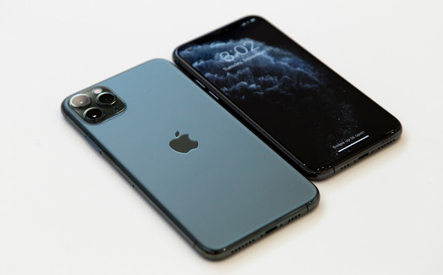 iphone-11-apple-becomes-trillion-dollar