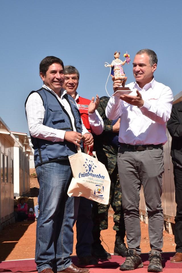 Premier Salvador del Solar entregó 140 viviendas a damnificados