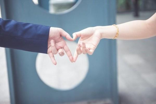 5 Tipe Bahasa Cinta dan Contohnya, Biar Gak Salah Mengartikannya