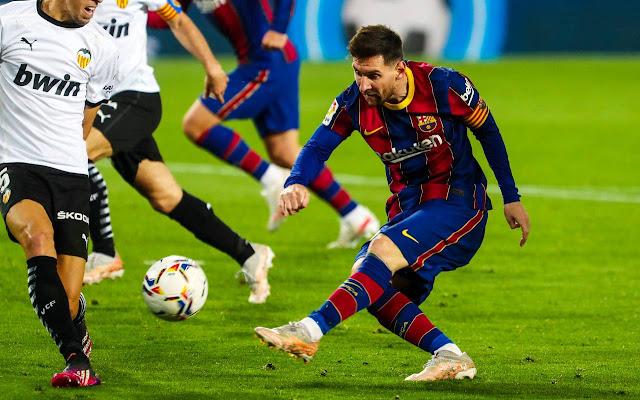 Lionel Messi vs Valencia
