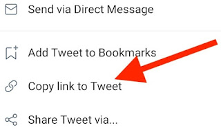 """A partir du menu qui s'affiche en surimpression, sélectionnez l'option """"Copier le lien du Tweet""""."""