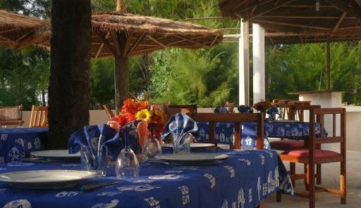 Hôtel, restaurant, bar, Néma, Kadior, Ziguinchor, casamance, environnement, paysage, nature, bois, plage, bar, luxe, buffet, plat, cuisine, chambre, piscine, séminaire, LEUKSENEGAL, Dakar, Sénégal, Afrique
