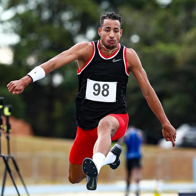 Almir Junior saltando para o Brasil