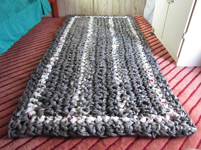 free crochet pattern, plarn, plastic yarn, rug, mat, crochet