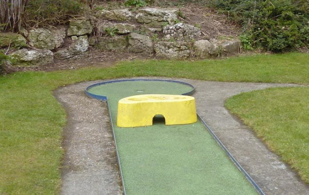 The Käse obstacle on the Kelsey Park Mini Golf course in Beckenham, Kent