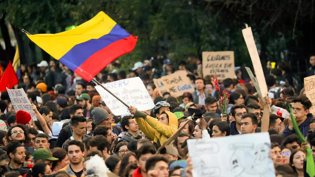 Duque niega garantías a manifestantes, ordena desplegar el máximo de fuerzas militares y de policía