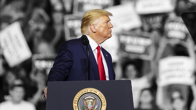 ترامب يرفع التعريفات الجمركية على المنتجات الصينية