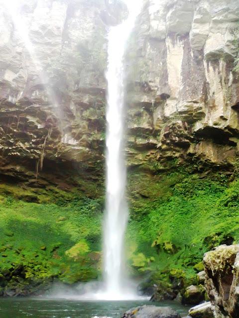 Asyiknya Berlibur Ke Air Terjun Putri Malu Di Lampung, Manteps..!! Silahkan Share..!!