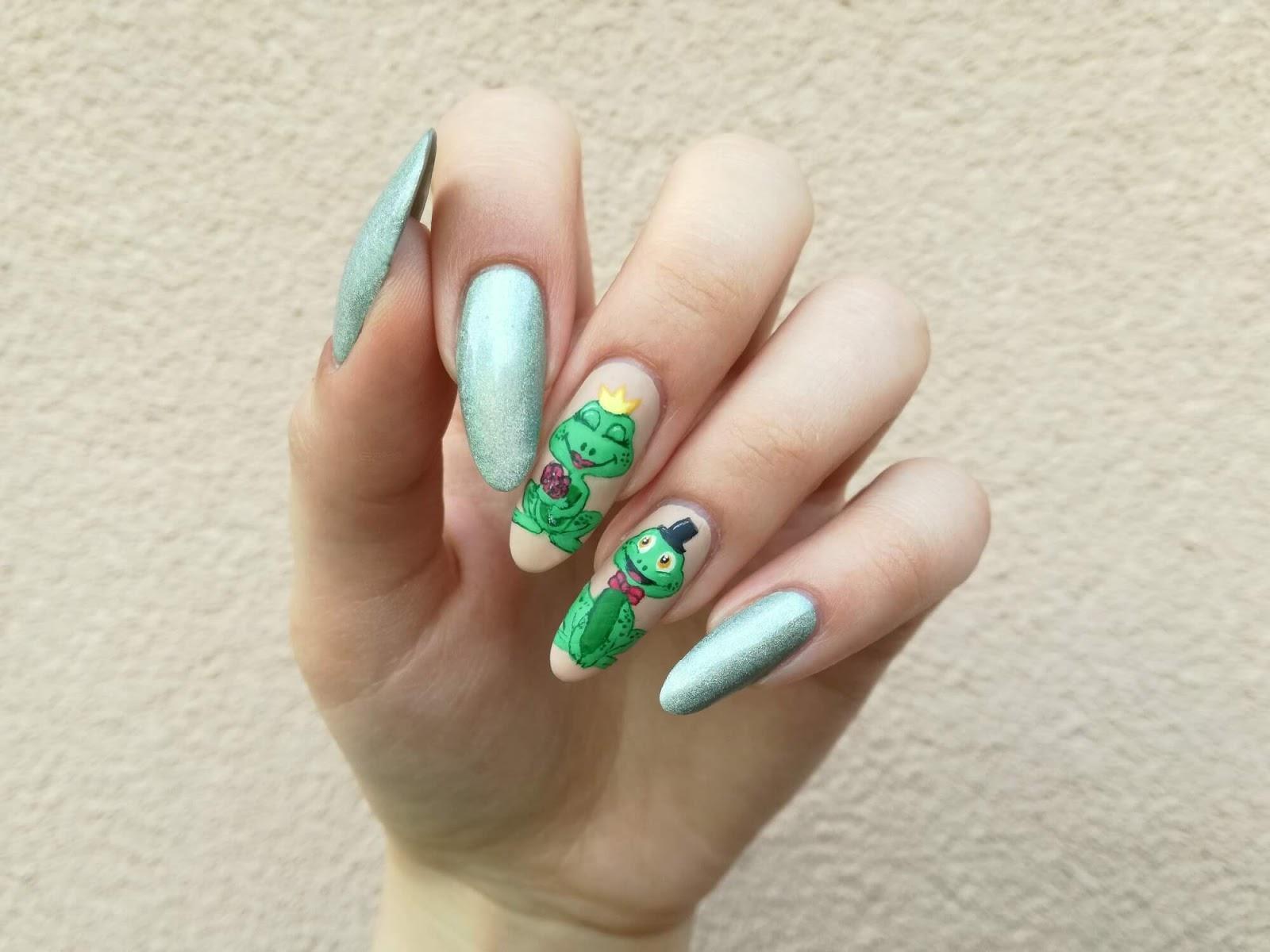 żabkowe paznokcie