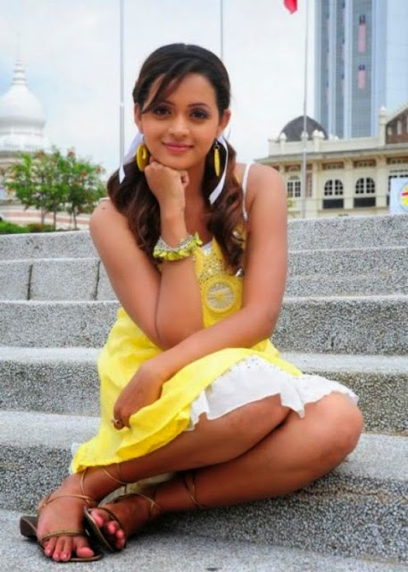 hot malayalam actress bhavana images