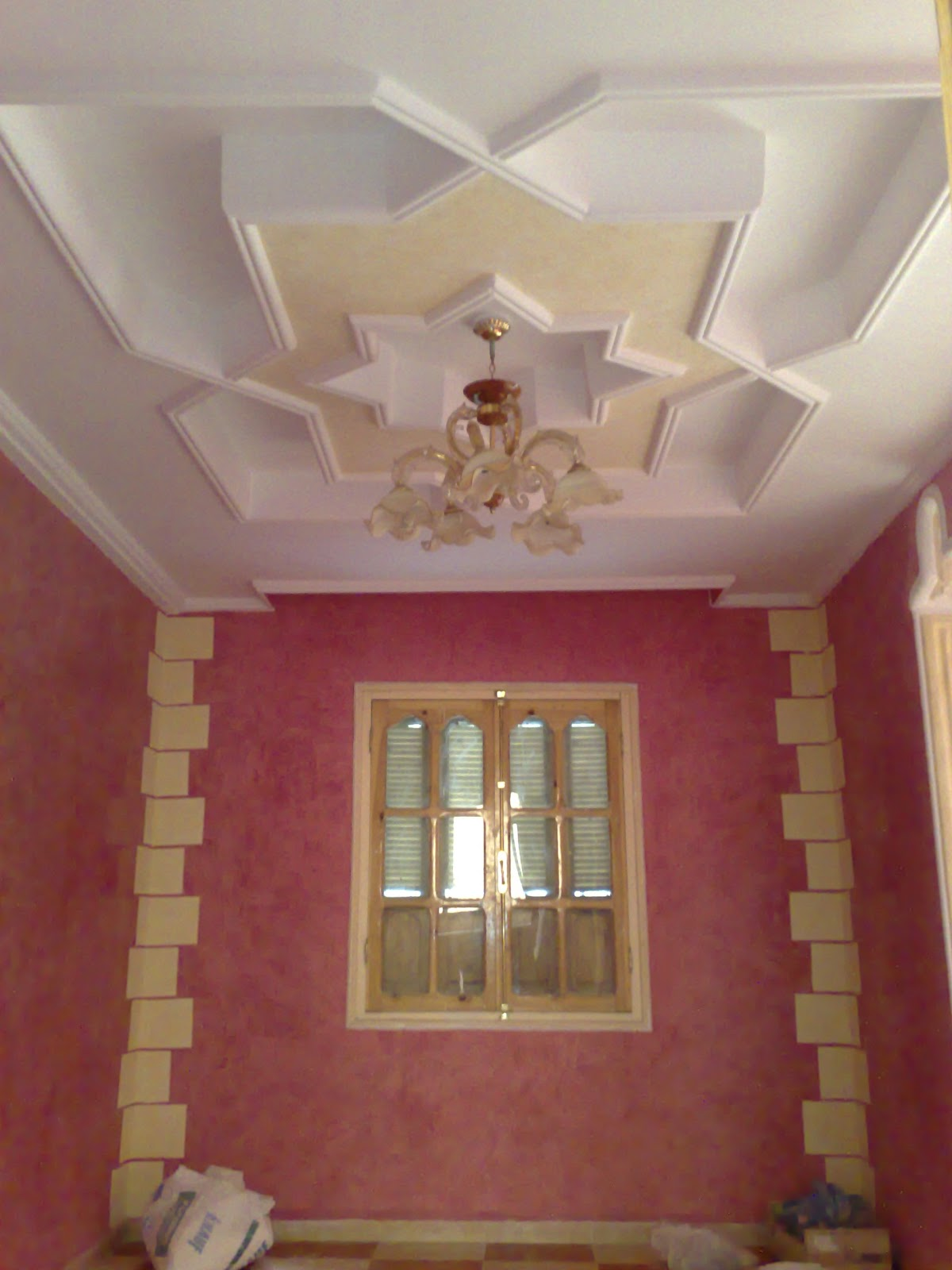 Decoration plafond platre platre for Decoration de platre marocain