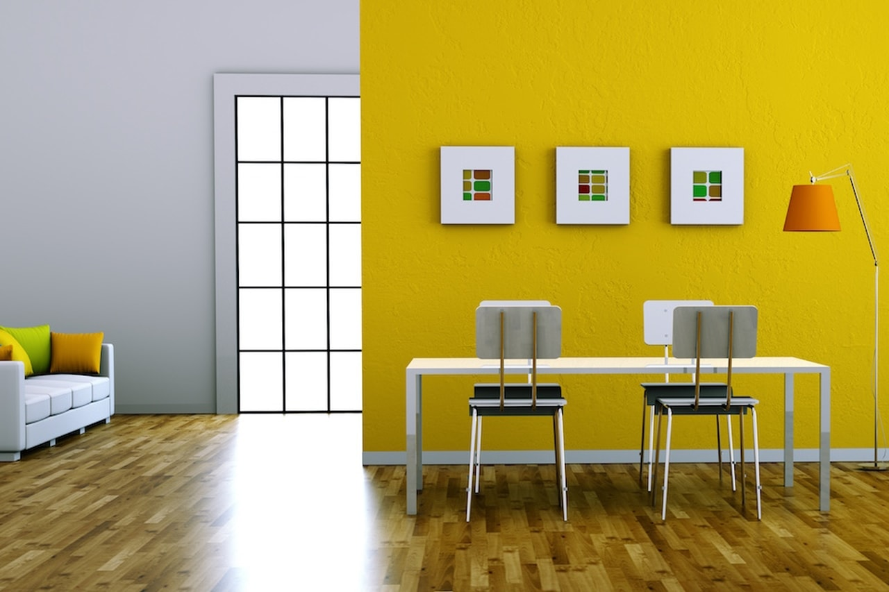 Accenti di colore aggiunti in una stanza immagine