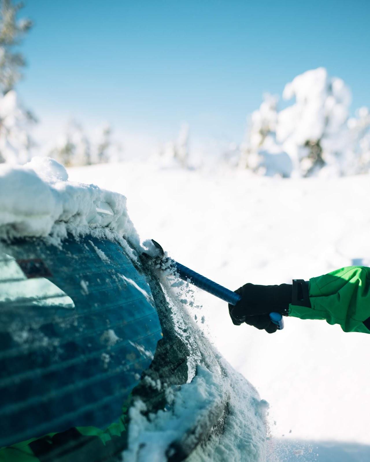 Mach Dein Auto fit für den Winter | Entschiede welcher KUNGS Eiskratzer für dich der Richtige ist