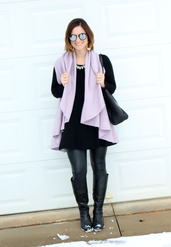 ivy and leo, style on a budget, mom style, faux leather leggings