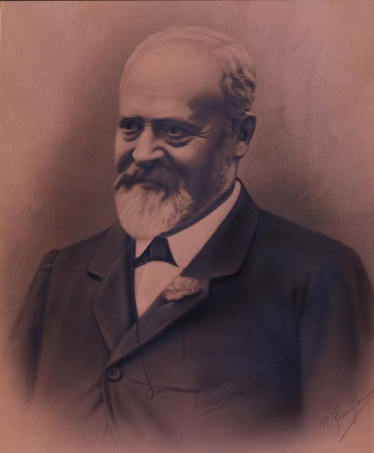 Monsieur Rocher fondateur de Mauboussin - Les Mousquetettes