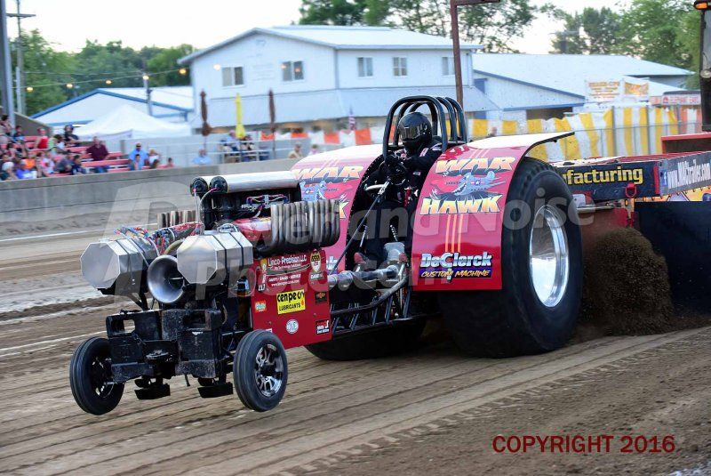 Tractor pulling news pullingworld the new war hawk from stonington illinois the money pit pulling team have a new single allison tractor for the 5800 lbs mod class since this year sciox Images