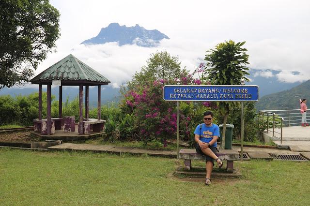 Pekan Nabalu, melihat gunung Kinabalu dari jauh