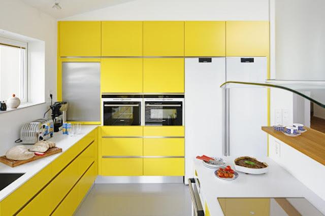 desain interior dapur kuning
