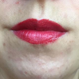 Skinn Cosmetics – Ruby (Caviar Lip Cream) Wear // Crappy Candle