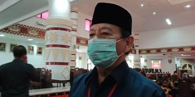 Ribuan Mahasiswa Geruduk DPRD, Walikota: Percuma, Kalau Mau Demo Ya Ke Jakarta