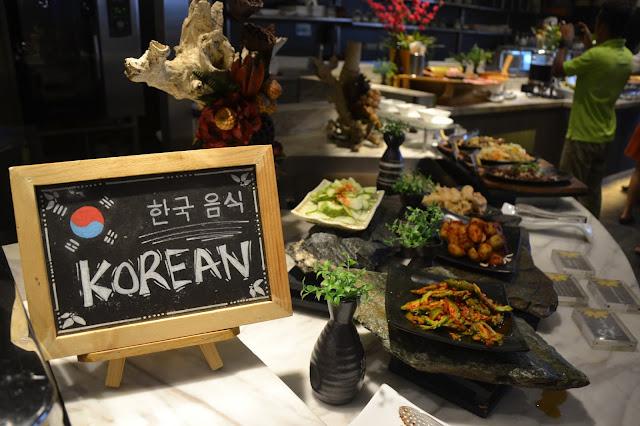Korean dishes / corner