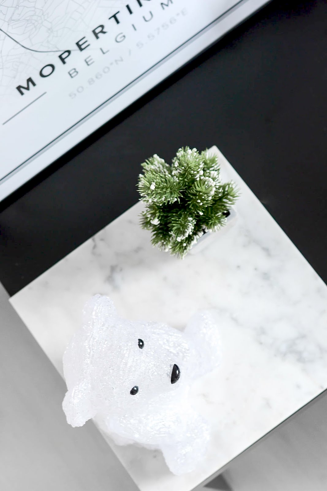 Polar bear, led light, marble plate, mini christmas tree, snow, action, kerstboom