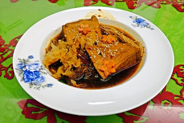 麻辣油豆腐