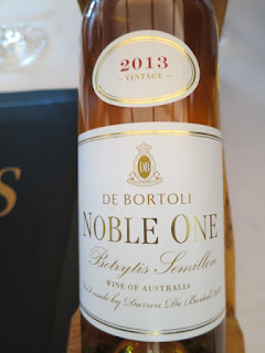 De Bortoli Noble One Botrytis Semillon 2013 - Riverina, New South Wales, Australia (92 pts)