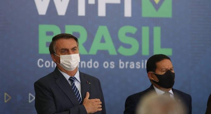 Bolsonaro reclama de CPI da Covid do Senado e volta a atacar China