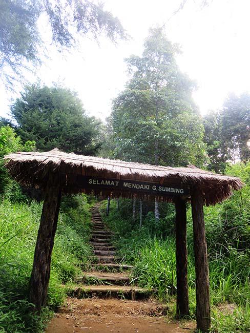 Jalur Tangga Gunung Sumbing via Banaran