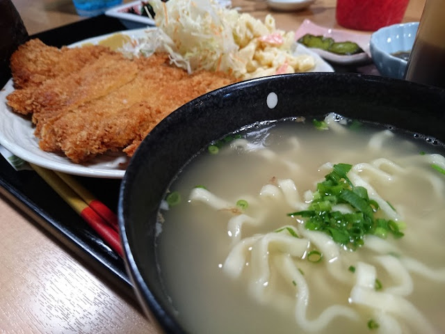 沖縄食堂ちょんちょん家の写真