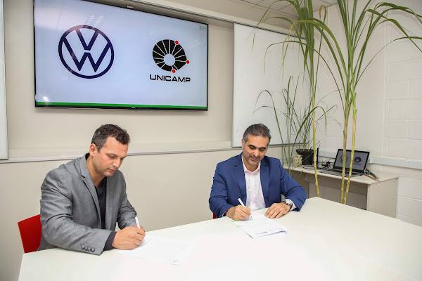Pablo Di Si, presidente e CEO da Volkswagen América Latina, e Hudson Zanin, professor docente da Unicamp