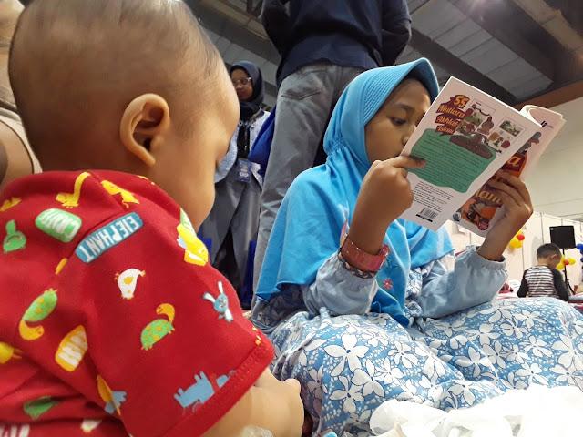 Baca Buku di Islamic Book Fair Jakarta