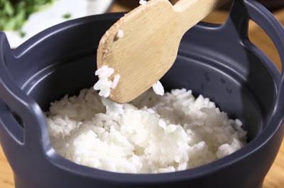 Cara Menghilangkan Bau Nasi Yang Hangus